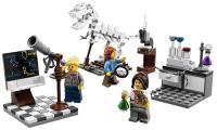 Lego saca a la venta una colección de mujeres científicas porque lo pide una niña, y triunfa